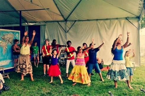 hula dancers at folklife fest